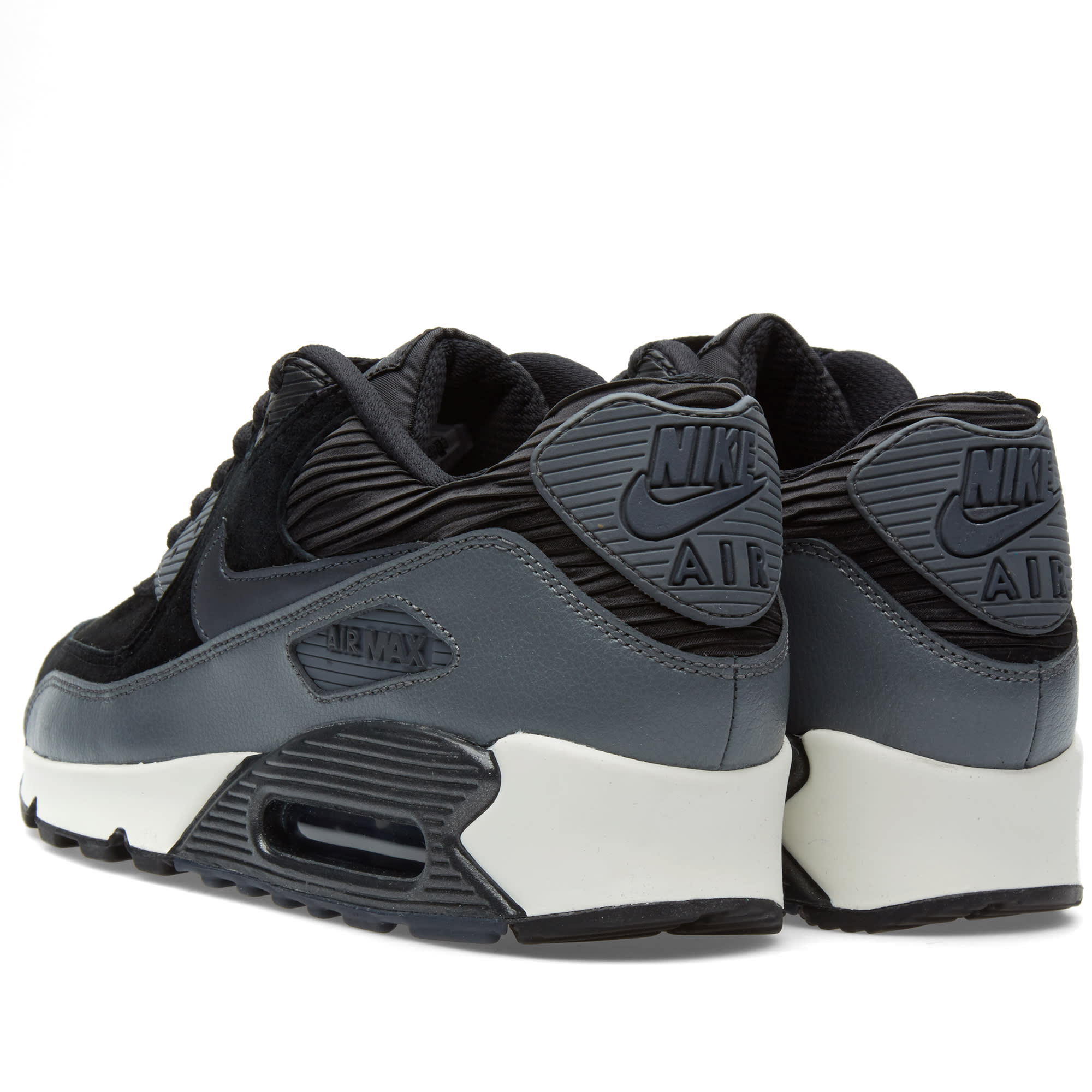sports shoes 40ba7 564ca Nike W Air Max 90 Leather