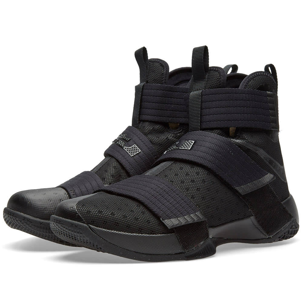 huge discount ec980 21add Nike LeBron Soldier 10