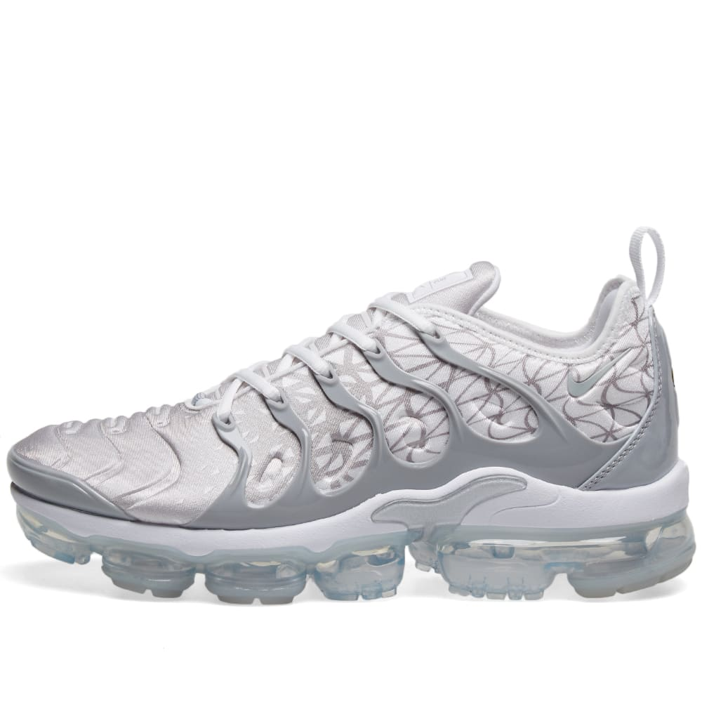 online store 04d9c ae828 Nike Air VaporMax Plus White, Silver   Wolf Grey   END.