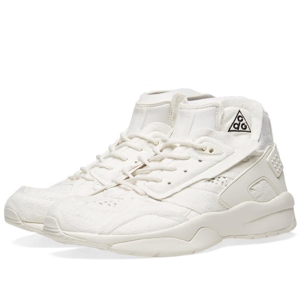 9031263d9c9 Comme des Garcons x Nike ACG Mowabb