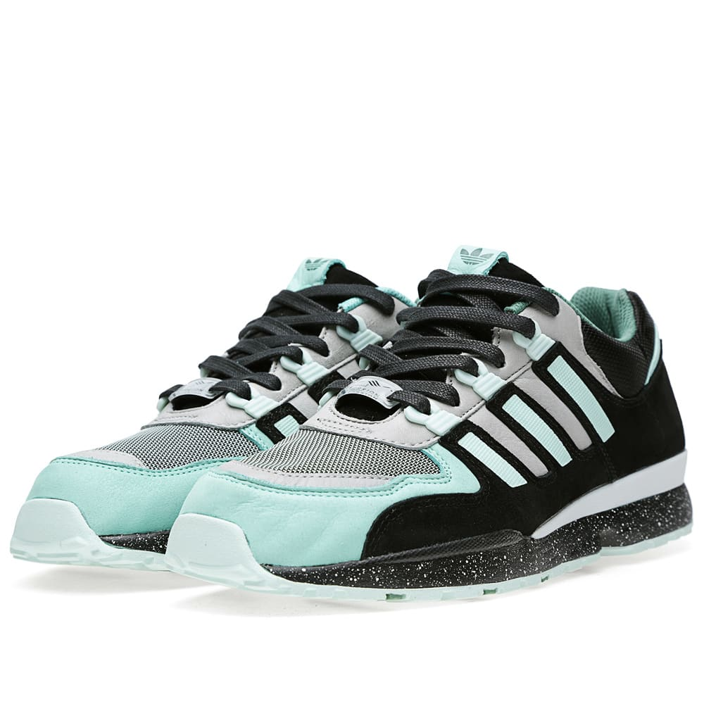 newest cba23 6bc3c Adidas Consortium x Sneaker Freaker Torsion Integral S Black   White Vapour    END.