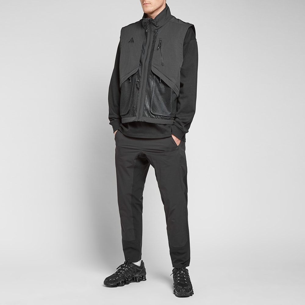 brand new c7e6d 9a337 Nike ACG Vest Black   END.