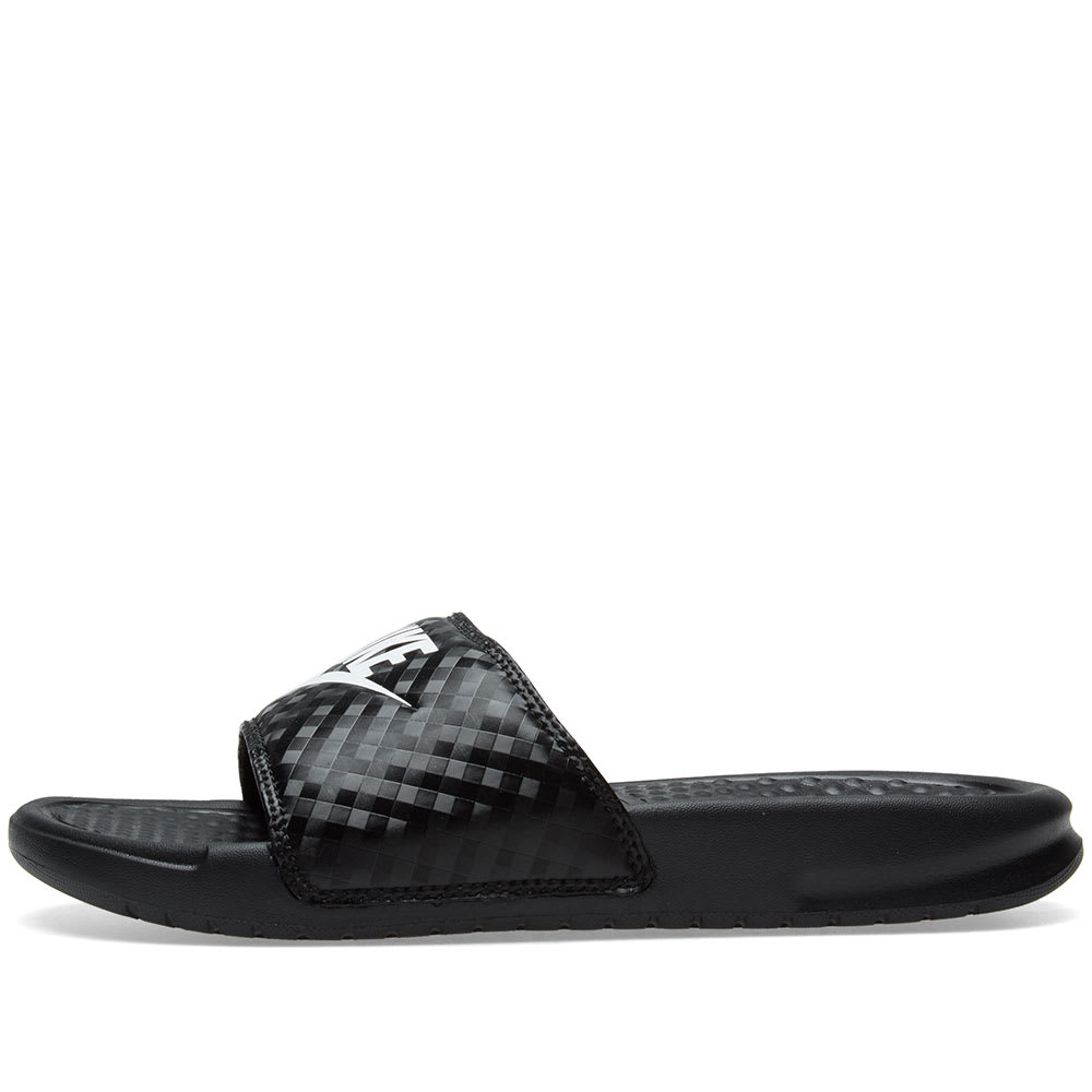classic fit e0432 edbfc Nike Benassi JDI W Black   White   END.