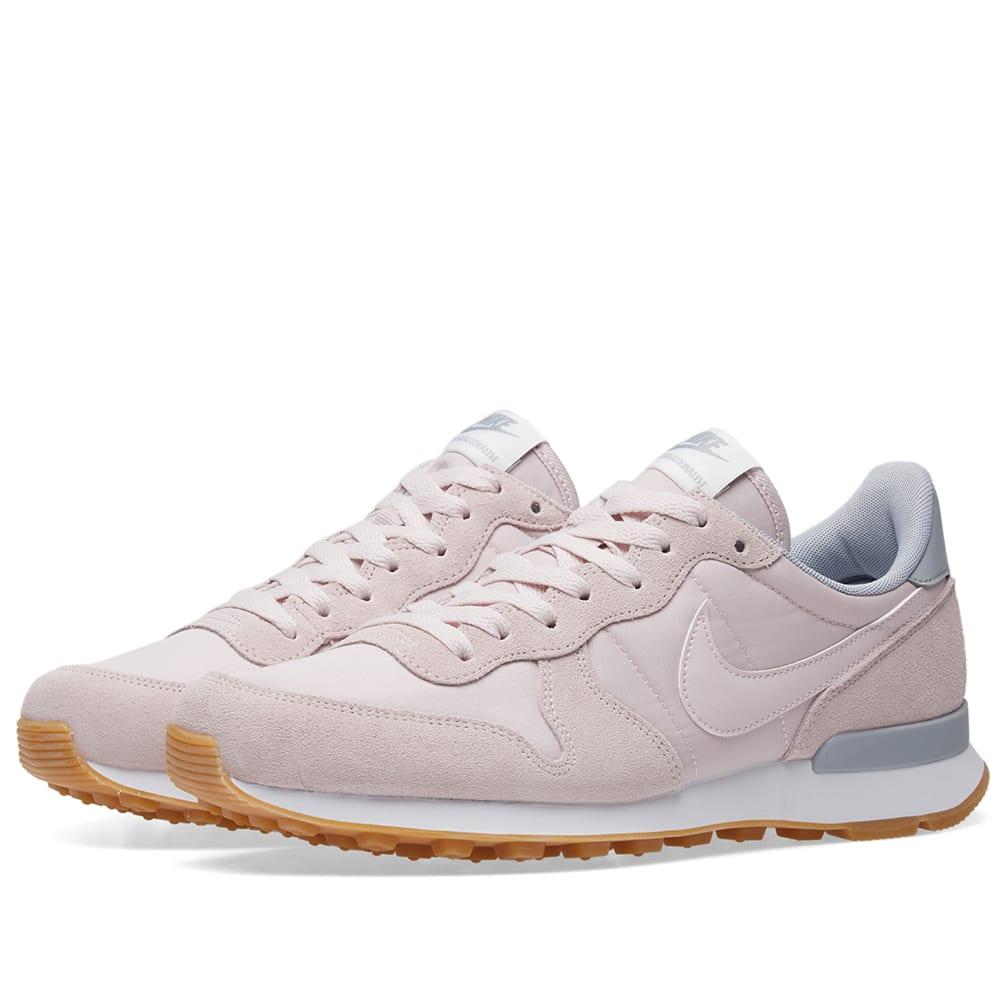 get cheap 0ab99 e347c Nike Internationalist W Barely Rose   Wolf Grey   END.