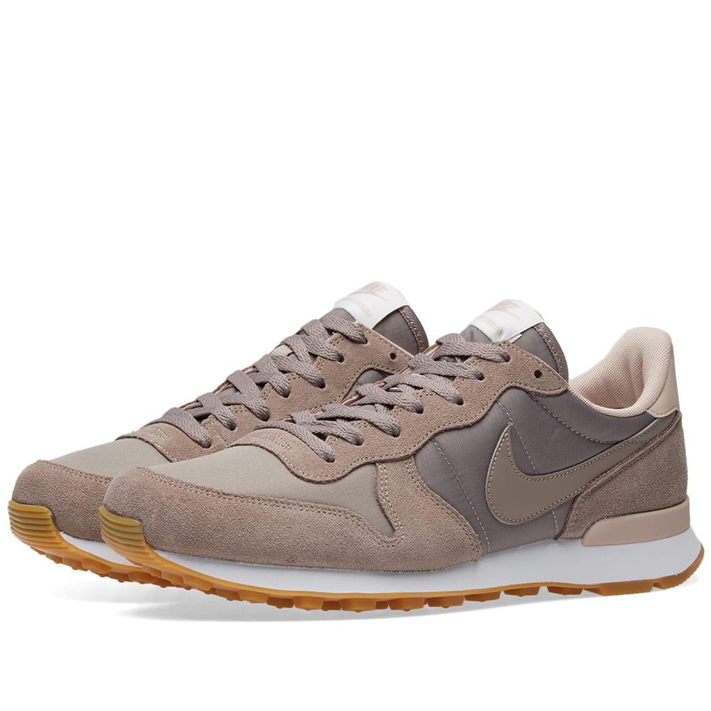 on sale d6513 d2018 Nike Internationalist W Sepia Stone   Particle Beige   END.