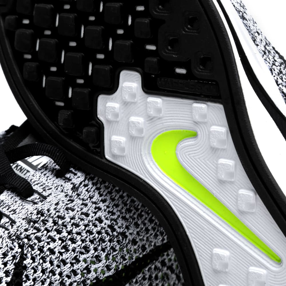 ba05682b25b3 Nike Flyknit Racer White