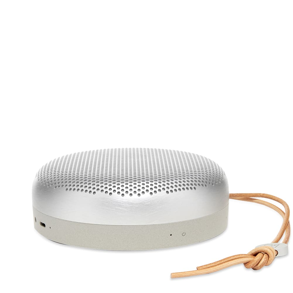 *NEW* Bang /& Olufsen BeoPlay A1 Wireless Bluetooth Speaker Natural