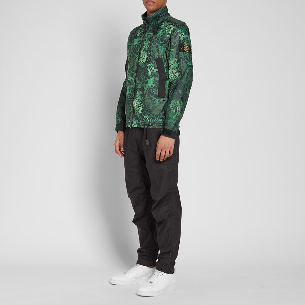 ede2837663536 Stone Island Alligator Camo Light Cotton Nylon Rep Jacket Green | END.