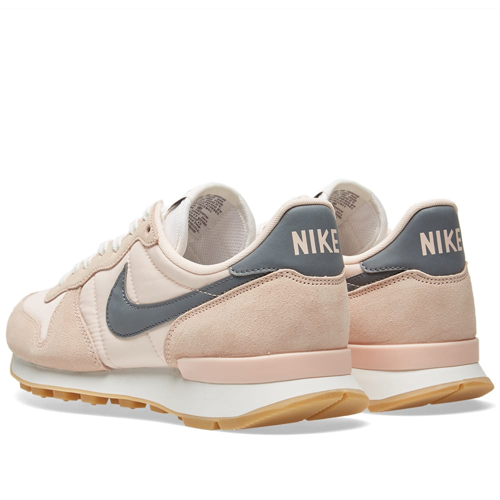 nike w internationalist sunset tint cool grey white. Black Bedroom Furniture Sets. Home Design Ideas