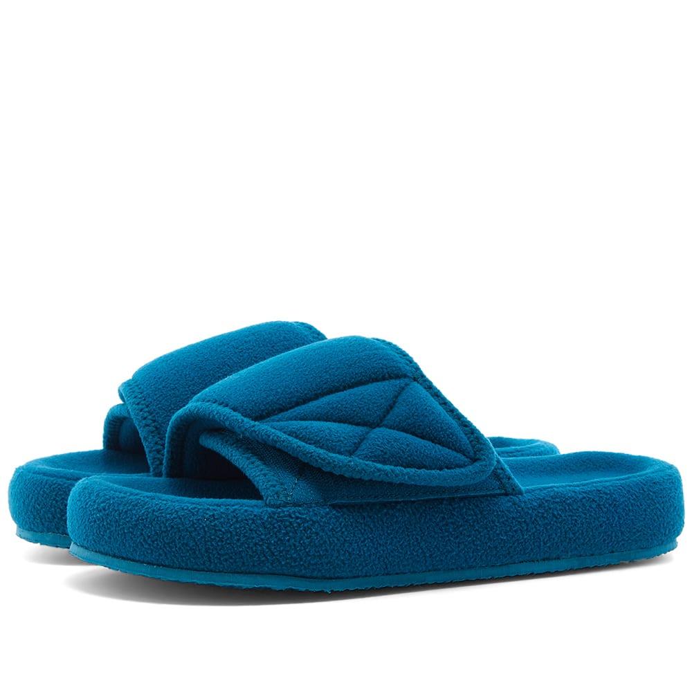 Yeezy Season 7 Fleece Slide Aqua | END.