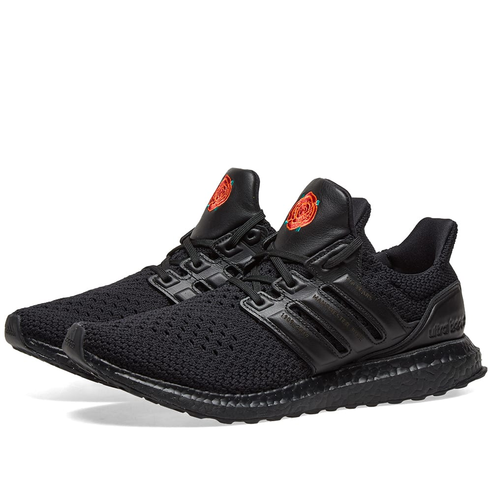 official photos 6c07d 552df Adidas x Manchester United Ultraboost