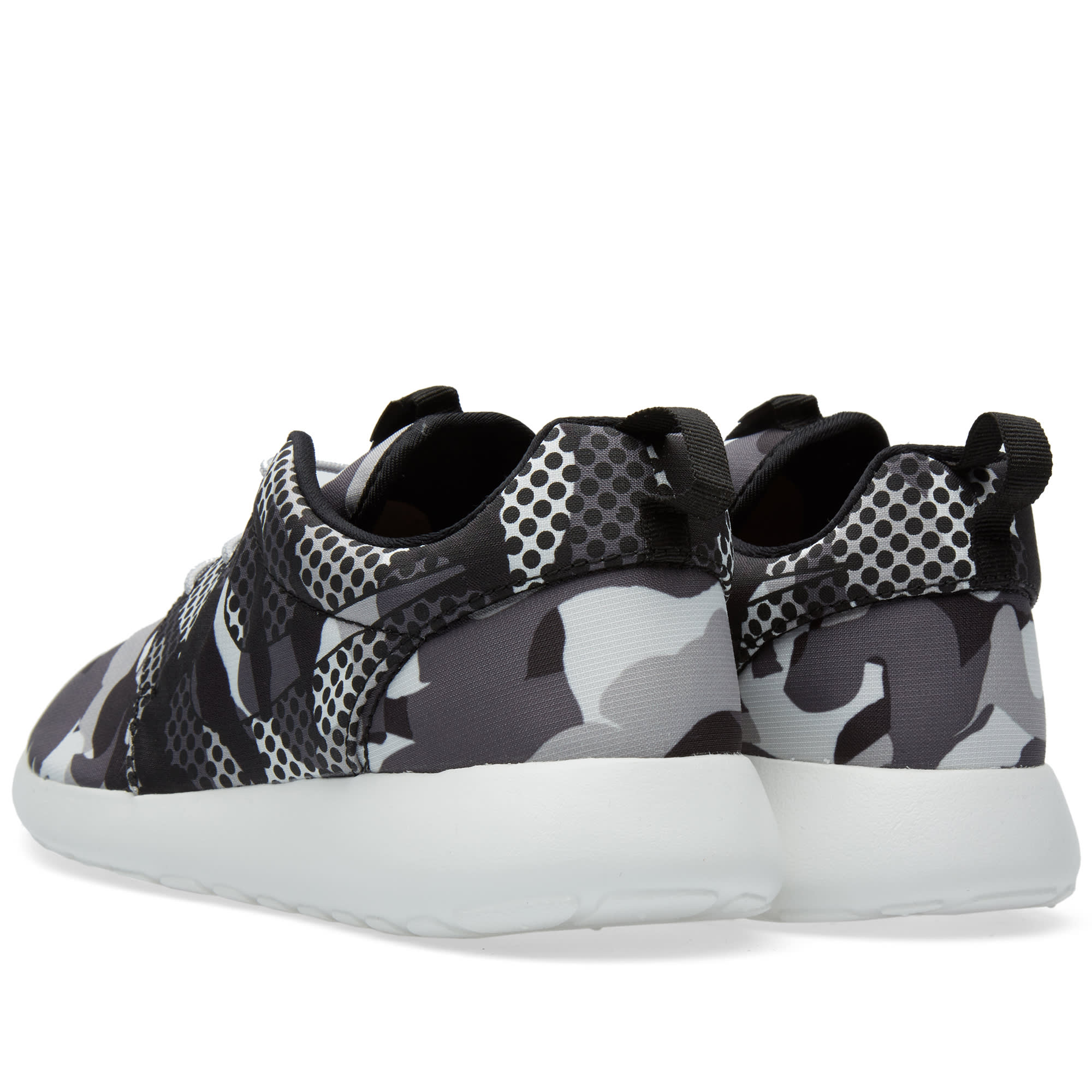 huge selection of 7f7c8 6da67 Nike Roshe One Print Summit White   Dark Grey   END.