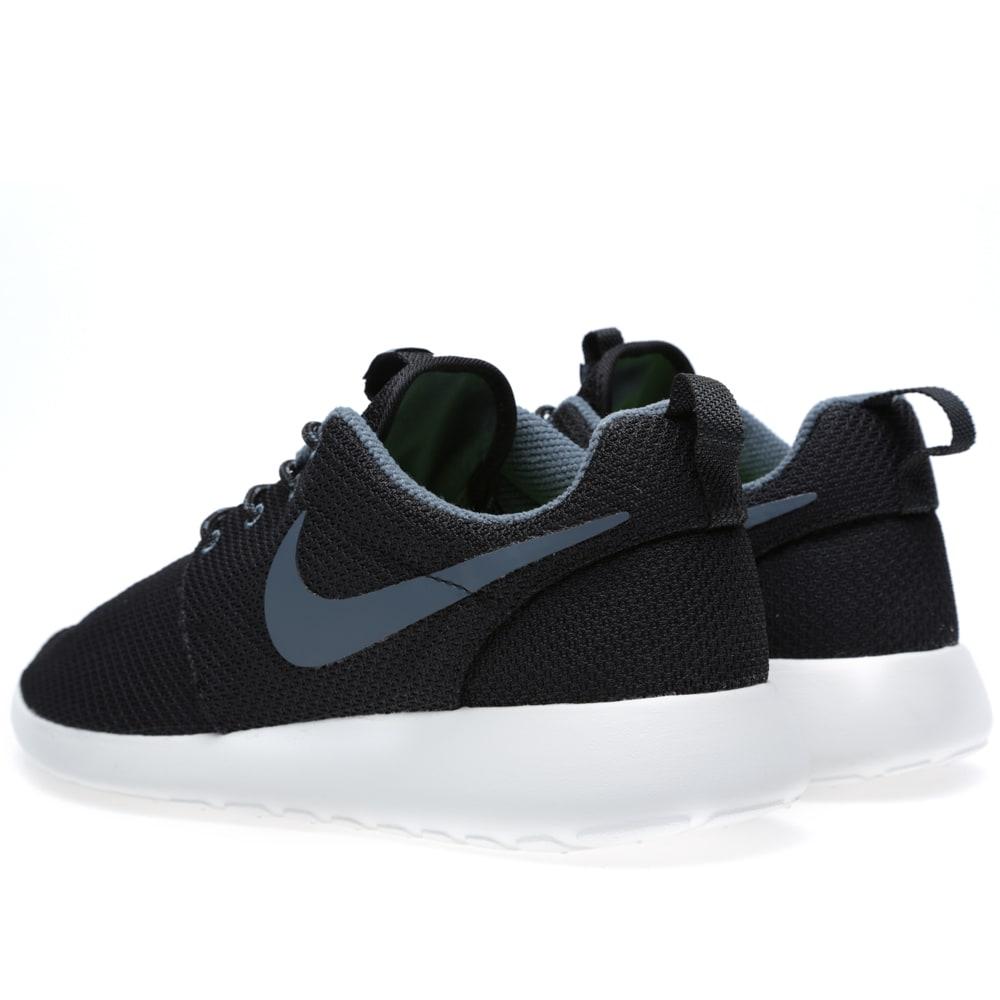 online retailer 1dfa2 8df86 Nike Rosherun Black   Dark Armory Blue   END.
