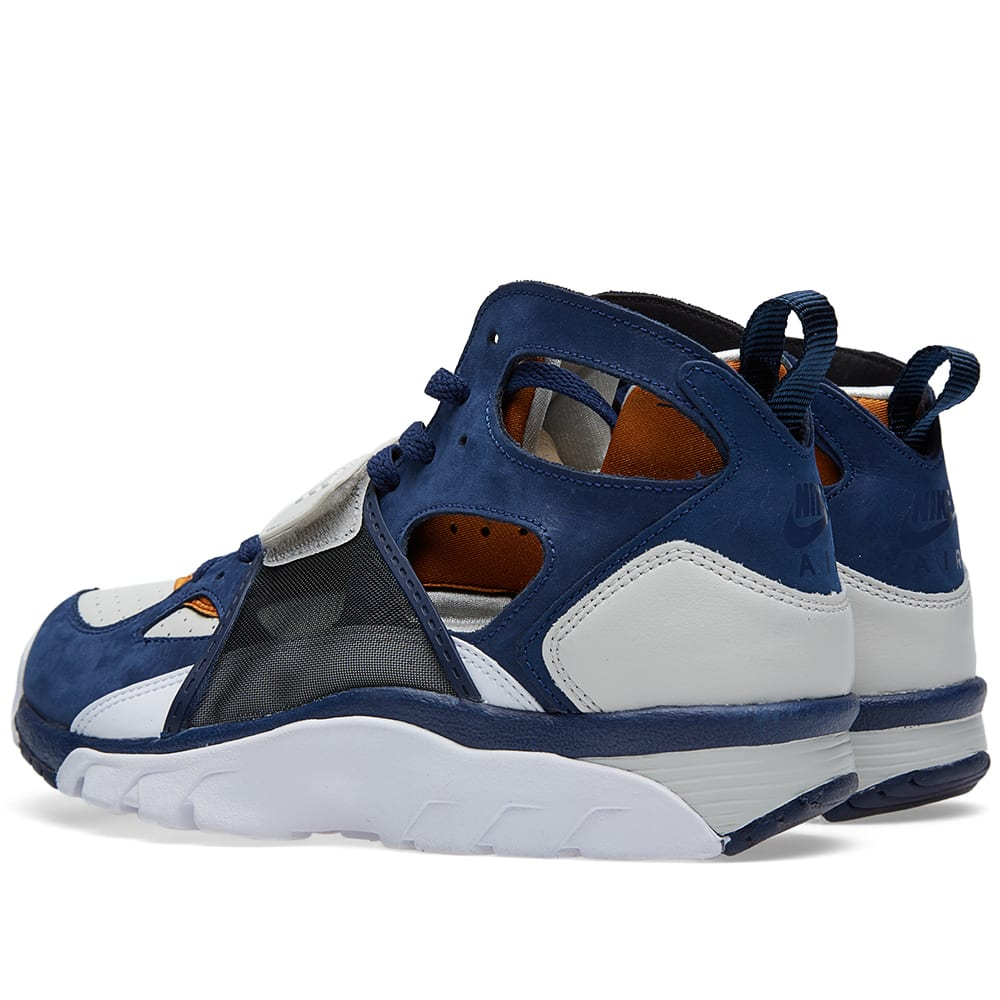 nike air trainer huarache premium 39 medicine ball 39 light. Black Bedroom Furniture Sets. Home Design Ideas