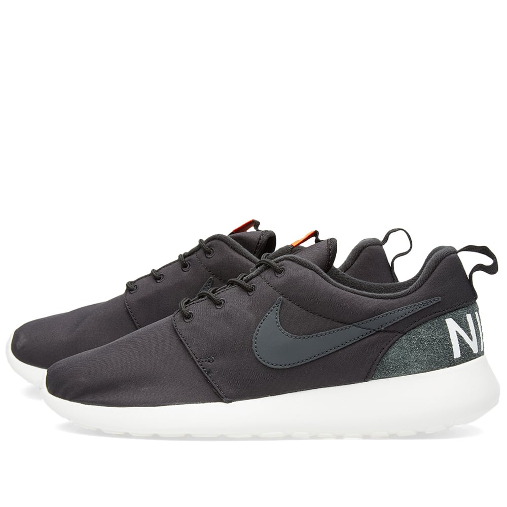 official photos 89ce0 ba545 Nike Roshe One Retro