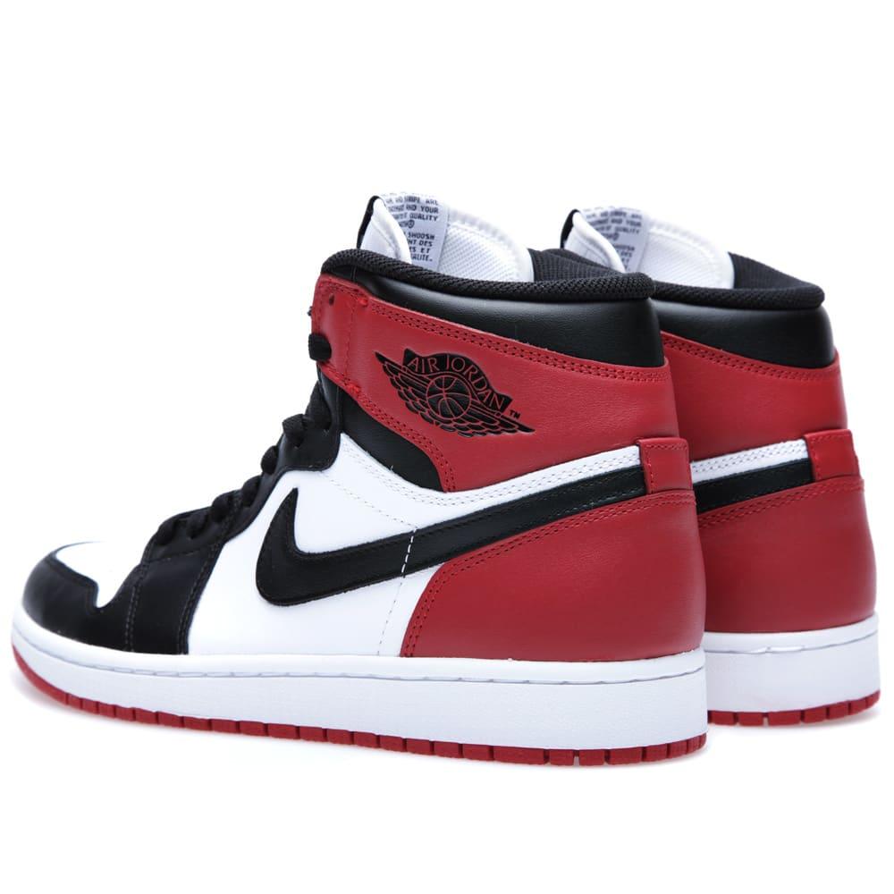 cheaper 85339 f5c8b Nike Air Jordan 1 Retro 'Black Toe'