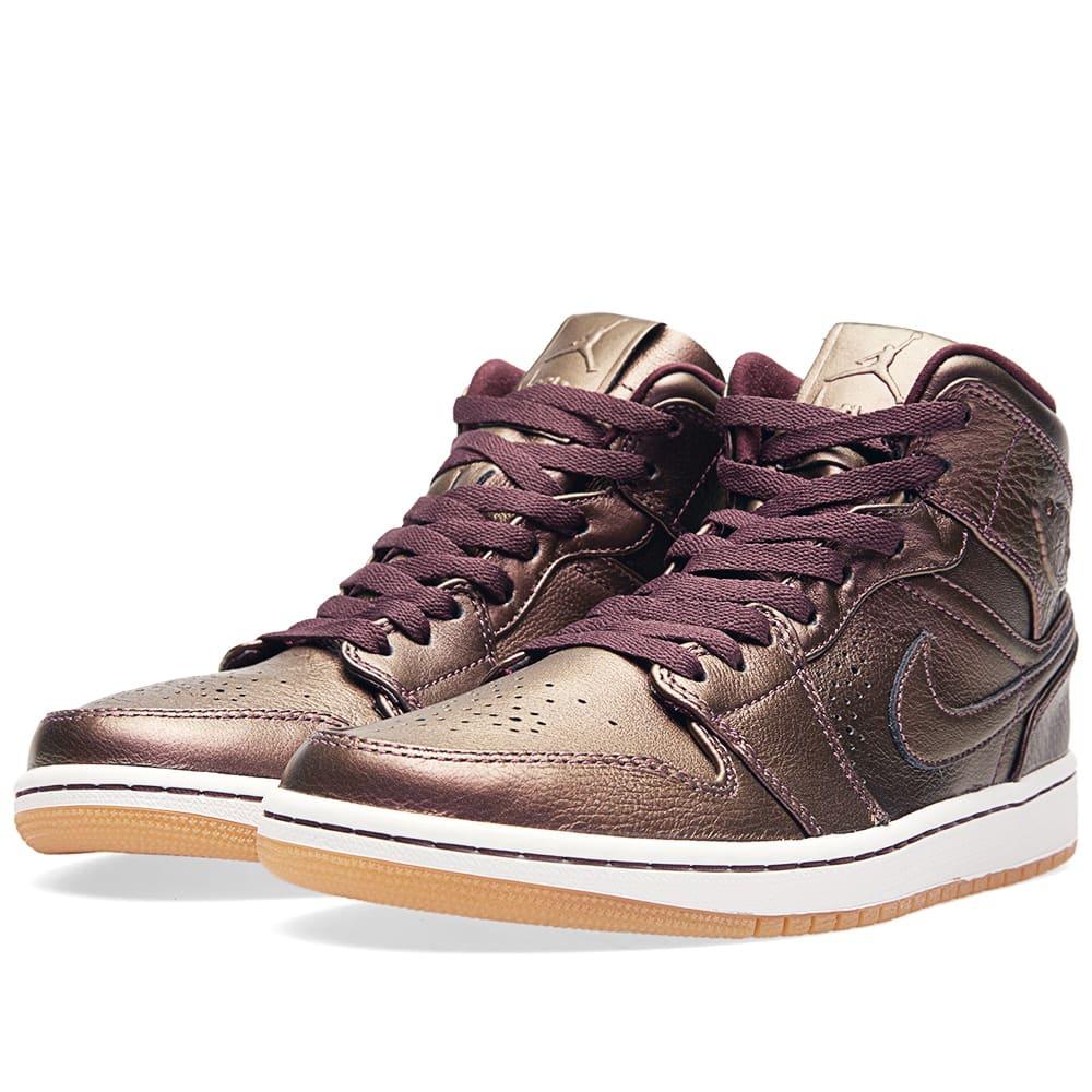 taille 40 157eb fee83 Nike Air Jordan 1 Mid Nouveau