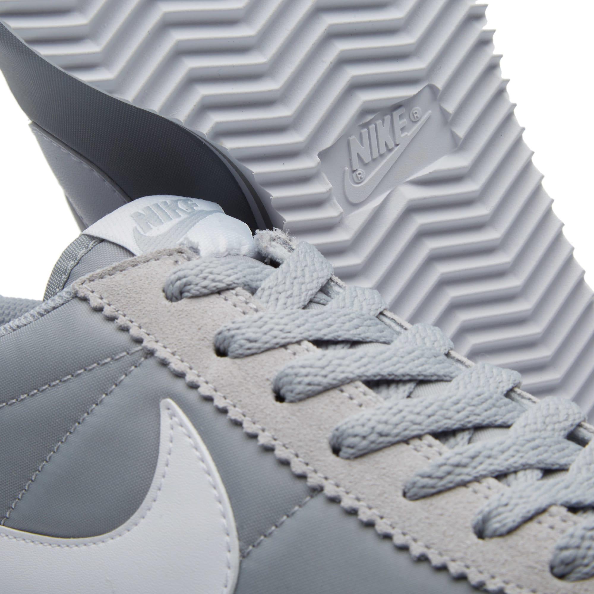 Mimar Subvención Tareas del hogar  Nike Classic Cortez Wolf Grey & White | END.