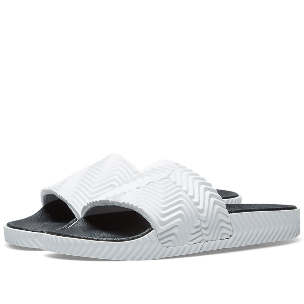 separation shoes 2dc61 95d90 ADIDAS ORIGINALS BY ALEXANDER WANG Adilette, White