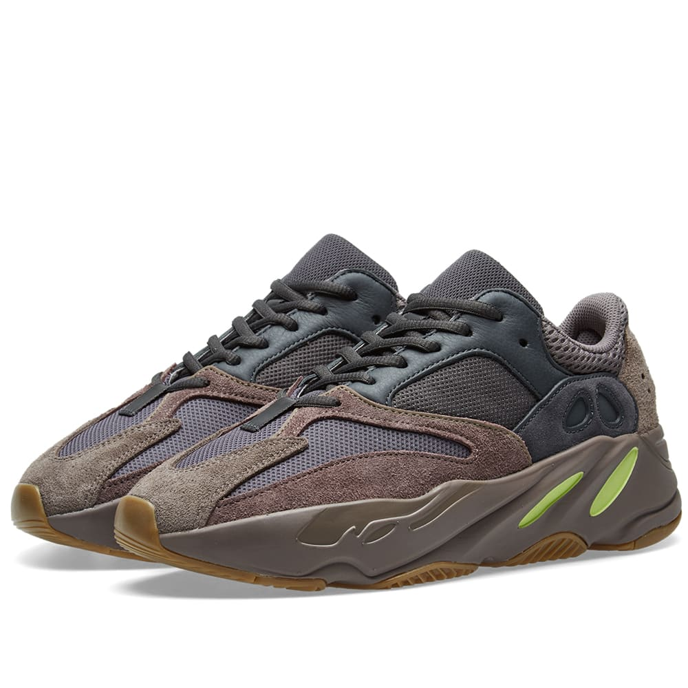 sale retailer 5f1cf cd21c Yeezy Boost 700