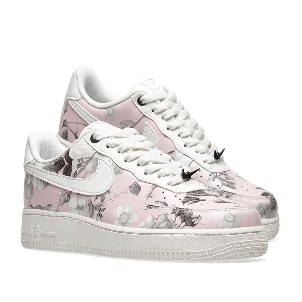the latest 6fc39 4ab97 Nike Air Force 1  07 LXX W  Floral