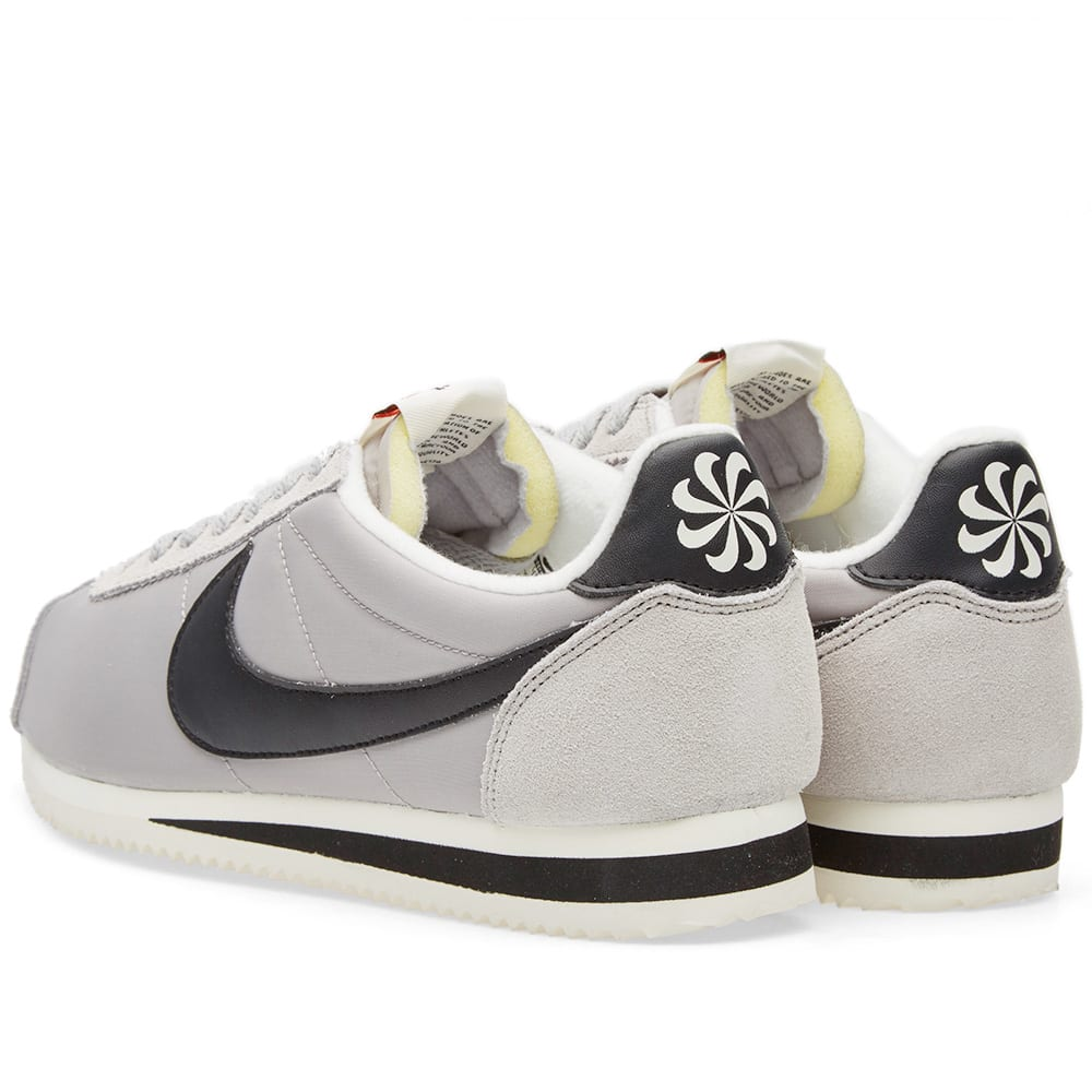 nike classic cortez nylon aw matte silver black sail. Black Bedroom Furniture Sets. Home Design Ideas