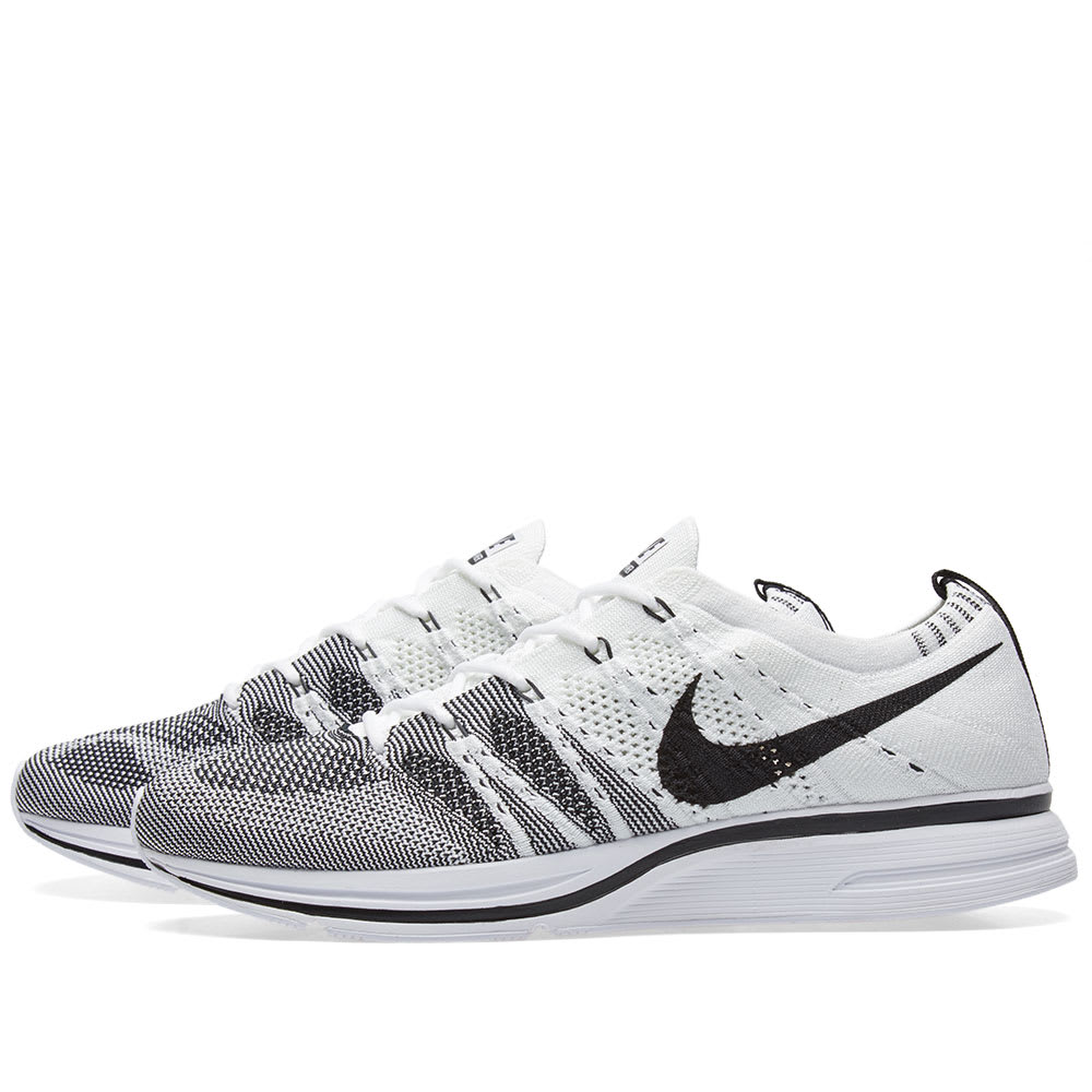 the best attitude 3be07 49859 Nike Flyknit Trainer White   Black   END.