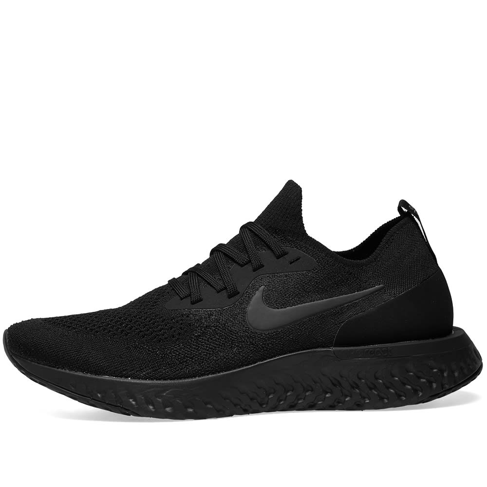 e17cb59ee097e Nike Epic React Flyknit W Triple Black