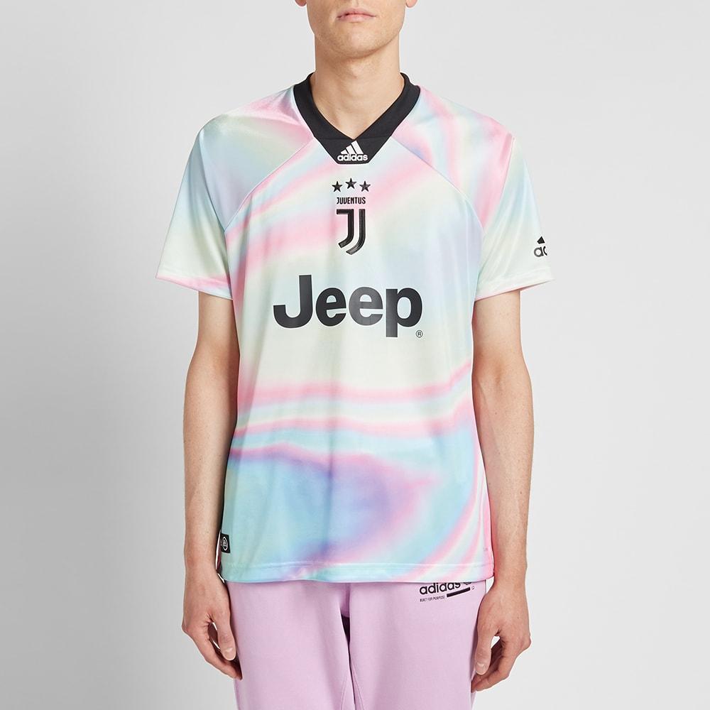 100% authentic a31f9 5c5d1 Adidas Consortium Juventus Football Jersey