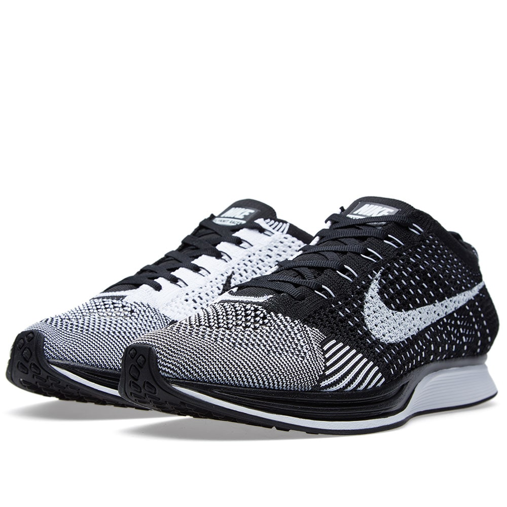 Nike Flyknit Racer (Black u0026 White)