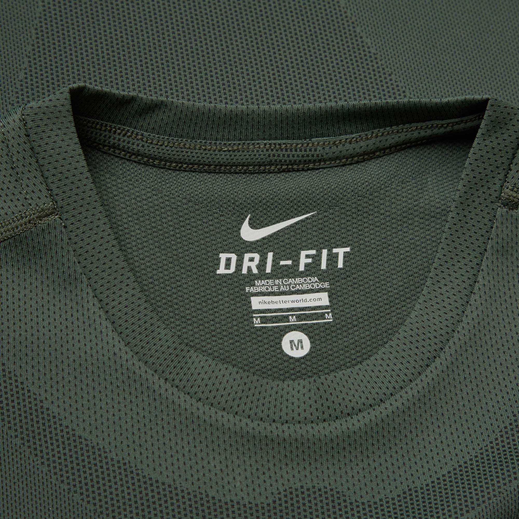 100% authentic ab9ca 5ee40 Nike x Undercover Gyakusou Dri-Fit Sweat Map Top Grove Green   Black   END.