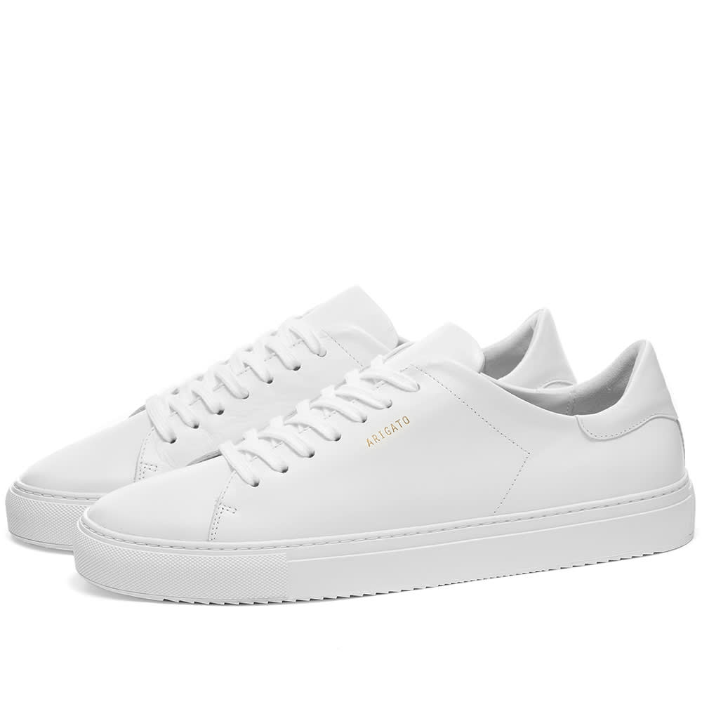 white leaather tennis shoes