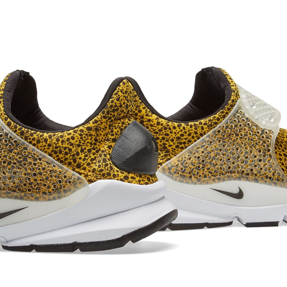 size 40 47ff0 229a9 Nike Sock Dart QS University Gold & Black | END.