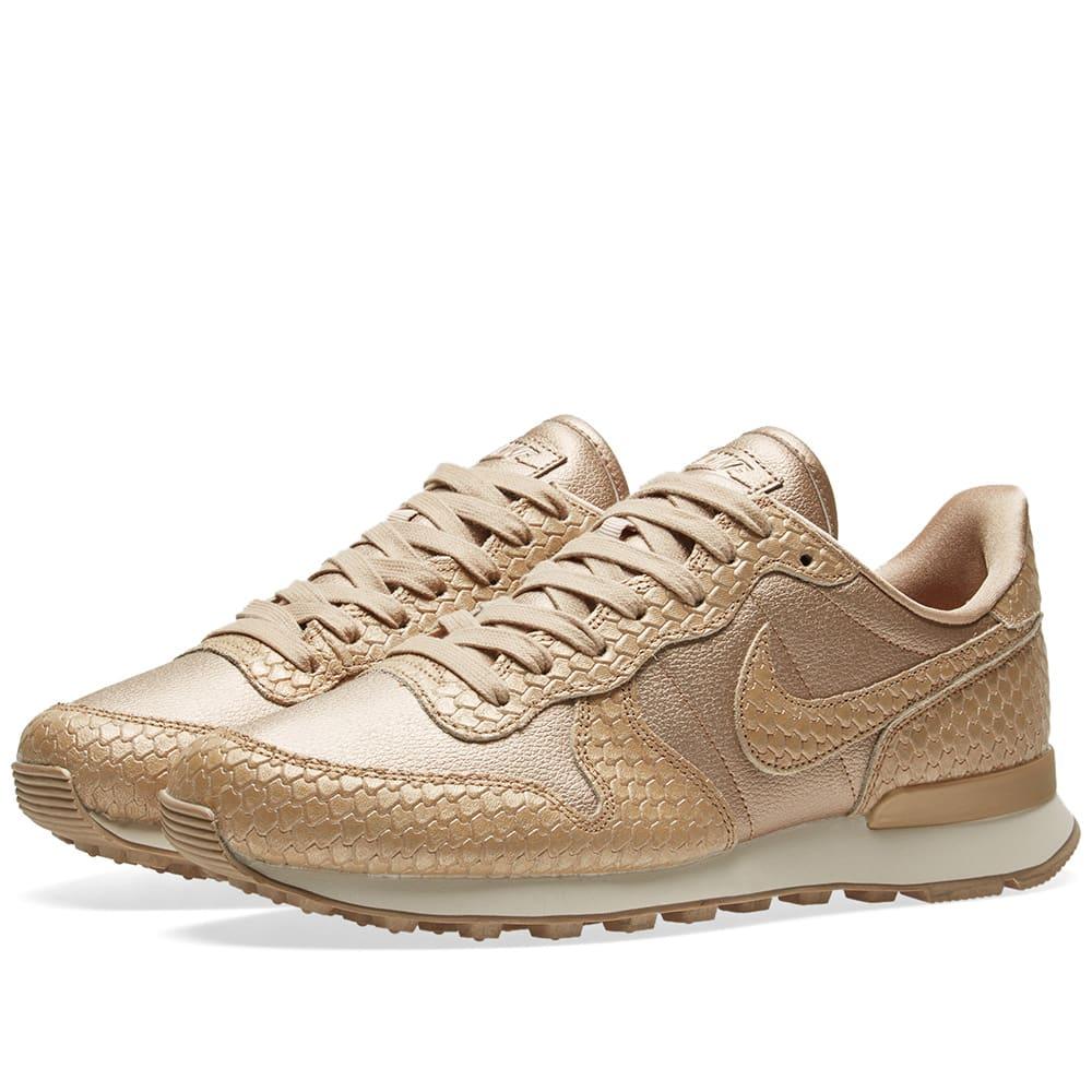 sneakers for cheap a0753 44eae Nike Internationalist Premium W Blur & Light Orewood Brown | END.