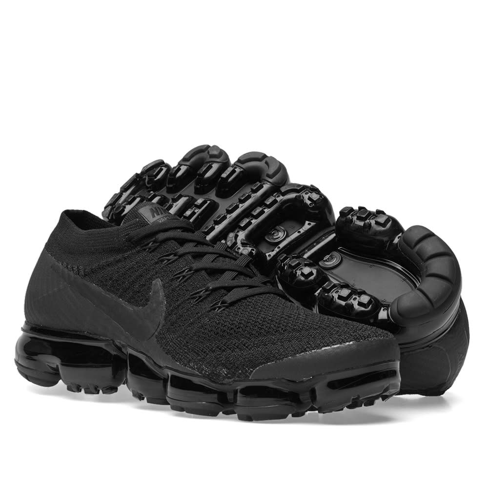 5d89569090f4f Nike Air VaporMax Flyknit W Triple Black