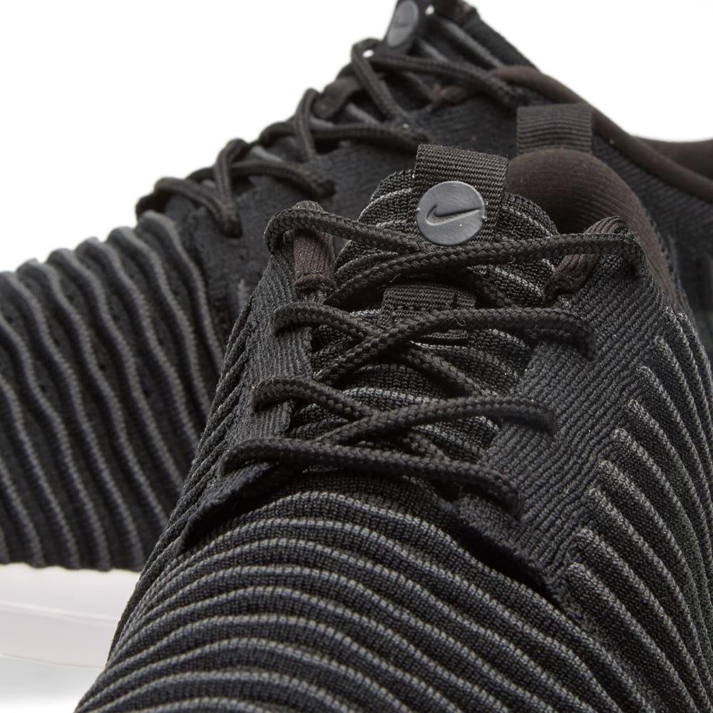 b3a1c5ff11521 Nike Roshe Two Flyknit Black