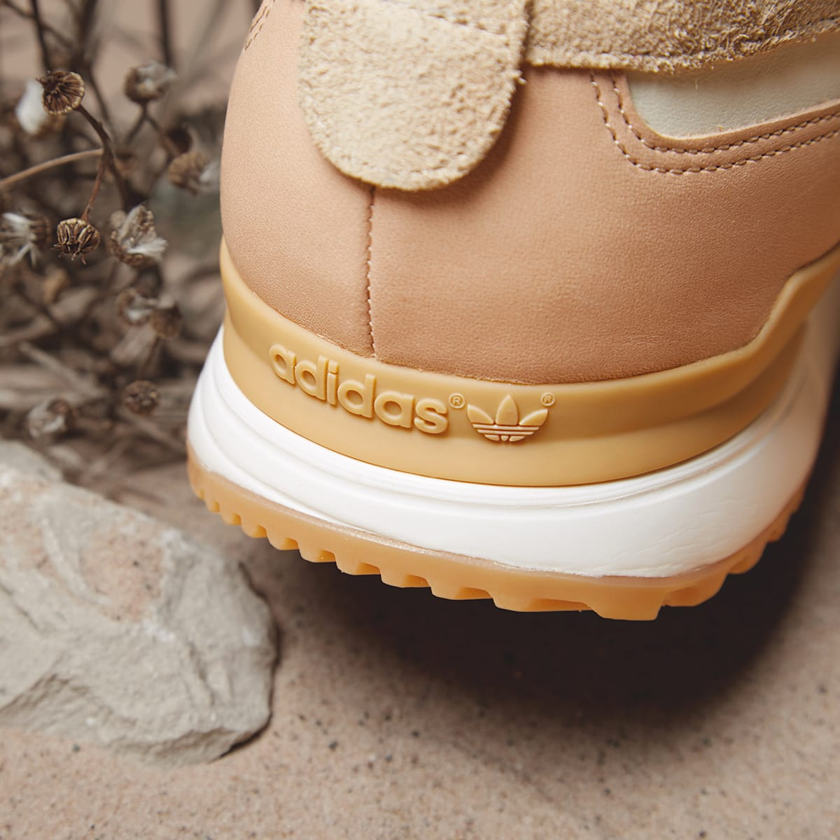 End Clothing Adidas ZX 700 Boat Side | shoes | Adidas