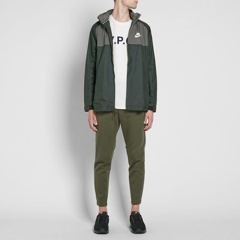 Nike AV15 Woven Jacket (Outdoor Green, Black & White ) | END.