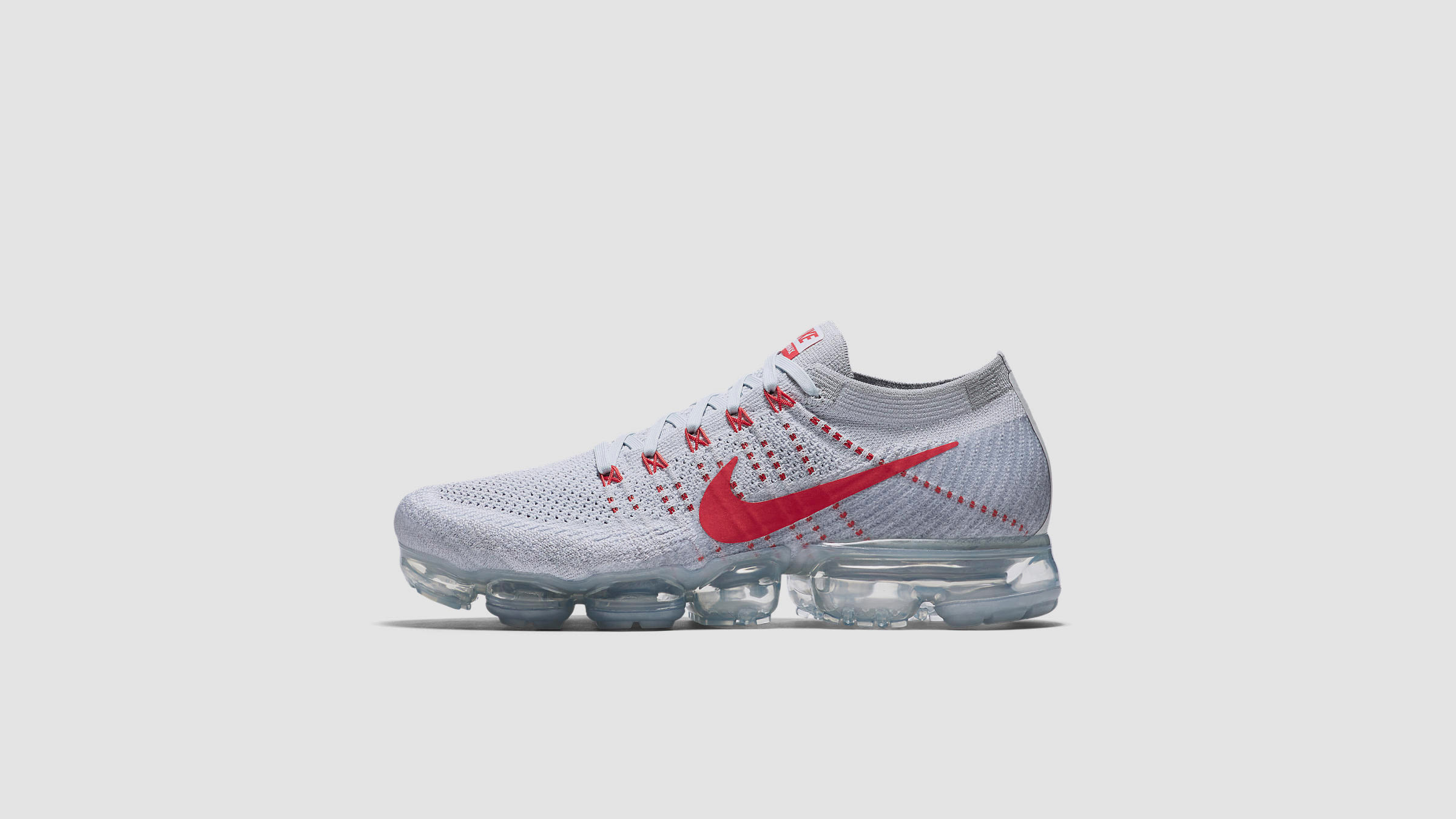 new york 142f8 935fe Nike Air Vapormax Flyknit Pure Platinum   University Red   END.