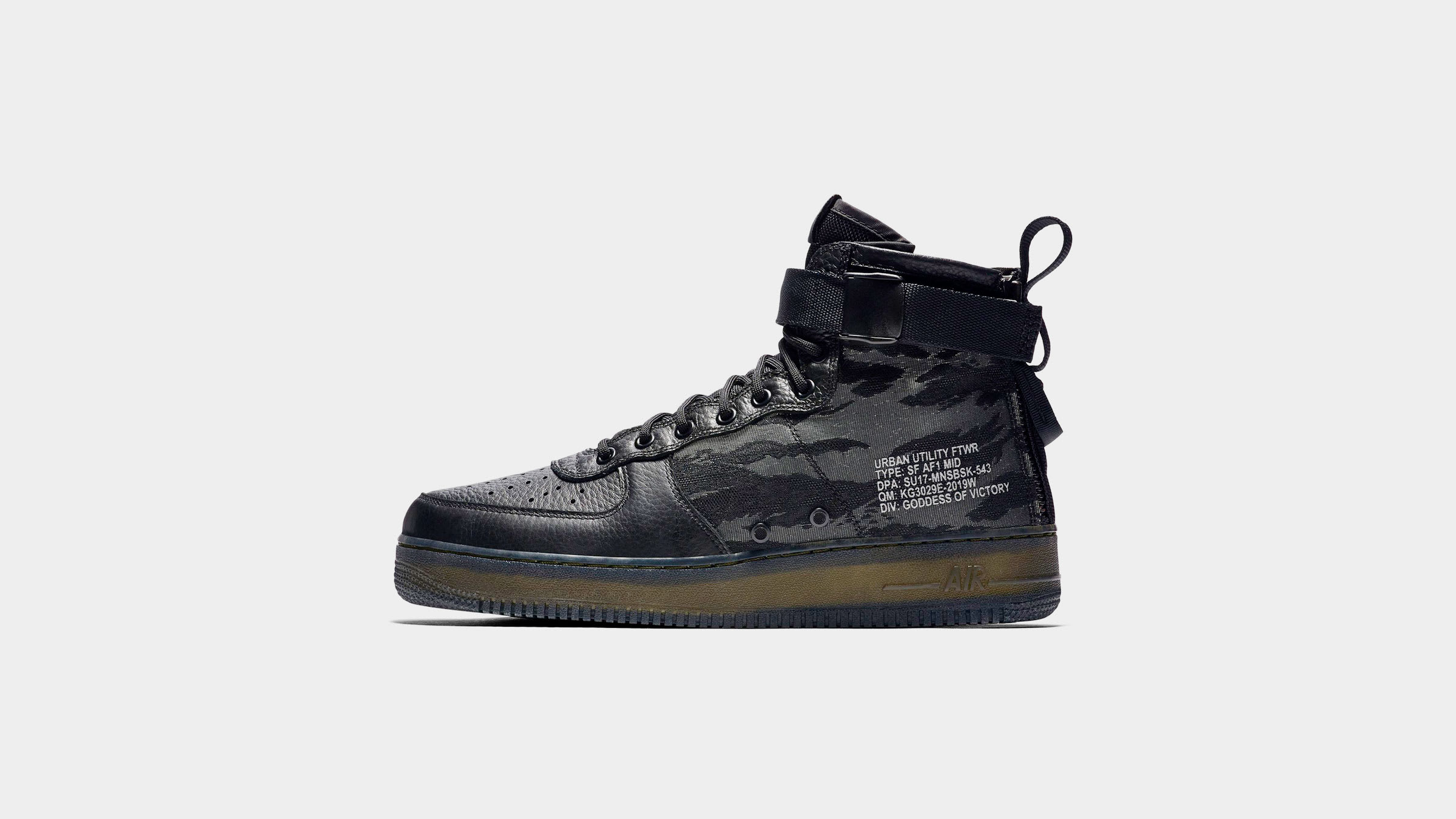 hot sales 43c02 4d646 Nike SF Air Force 1 Mid QS