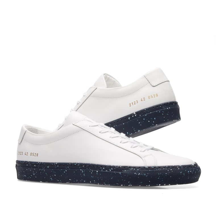COMMON PROJECTS & Navy Achilles Low Confetti Sole Sneakers CMO0XxRdgB