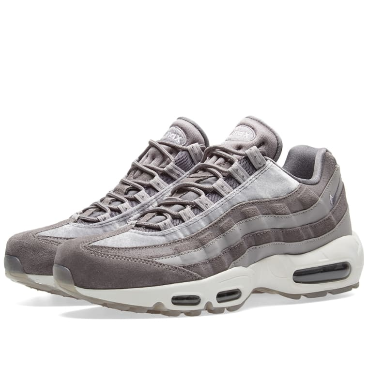 buy cheap fashionable shop offer Nike Air Max 95 Velvet Trainers In Grey sale low shipping a6JSx