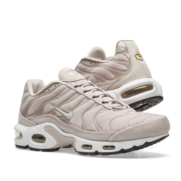 e284c1b9e839 ... 50% off nike air max plus premium w moon particle black white 7 ada8b  53df6