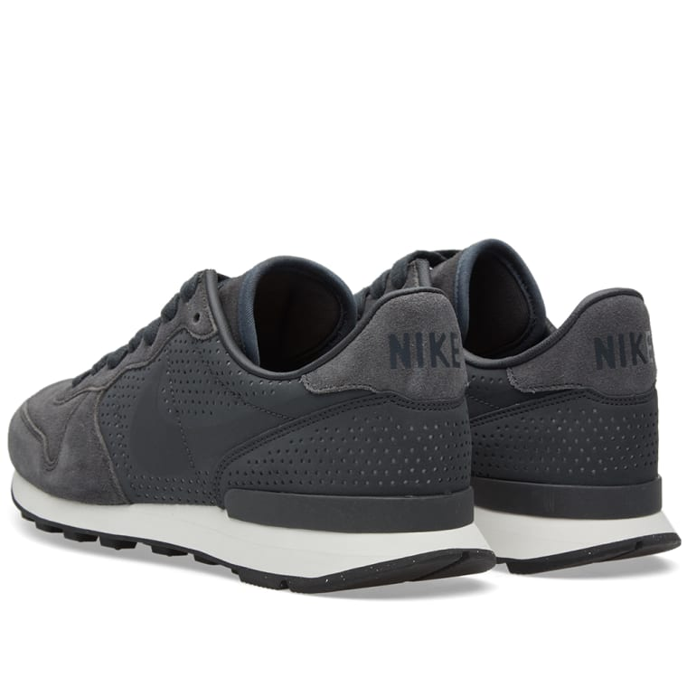 newest 471b7 01435 ... where to buy nike internationalist lx anthracite summit white 3 47c0a  dd29a