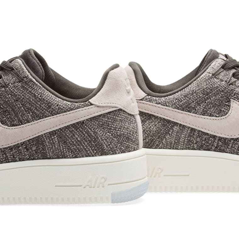 28863c2895ae Nike Air Force 1 Flyknit Low W (Midnight Fog