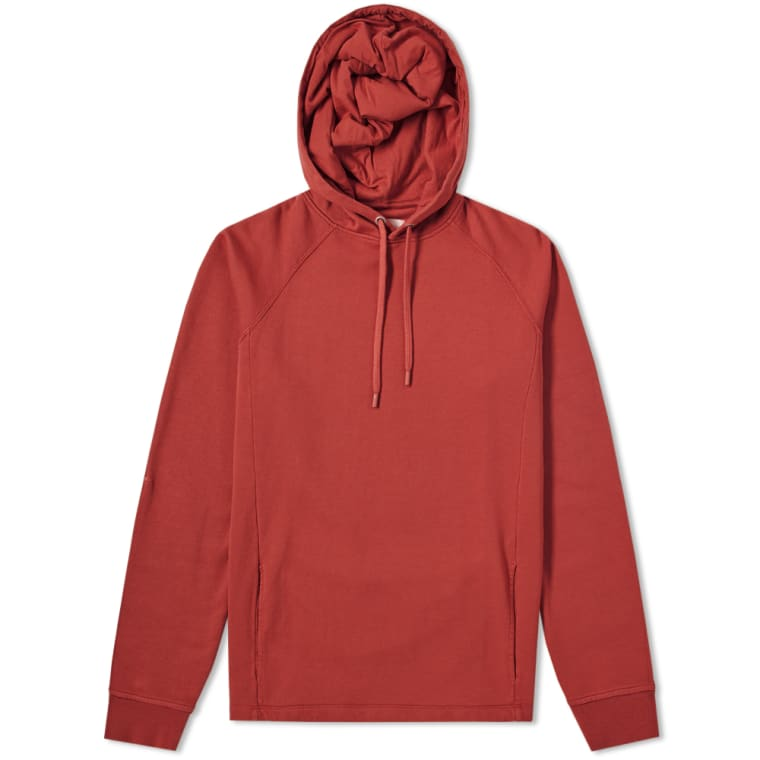 FOLK RIVET POPOVER HOODY in BRICK RED