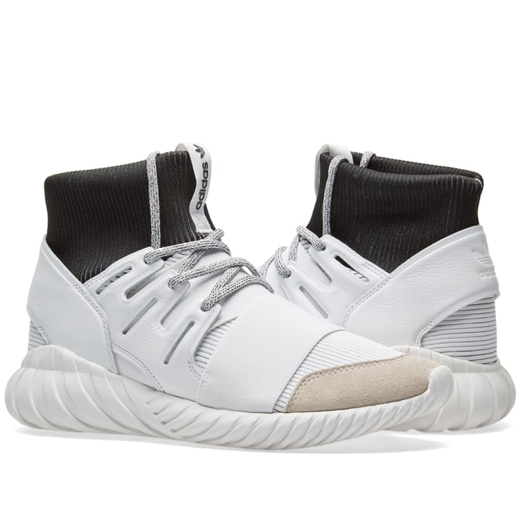 https://media.endclothing.com/media/f_auto,q_auto,w_760,h_760/prodmedia/media/catalog/product/1/5/15-02-2017_adidas_tubulardoom_white_black_ba7554_mg_4.jpg