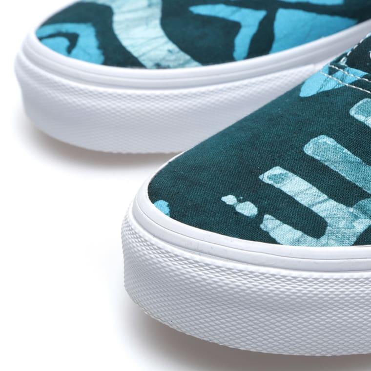e657e9e873e791 Vans x Della Era (Batik   Multi Blue)