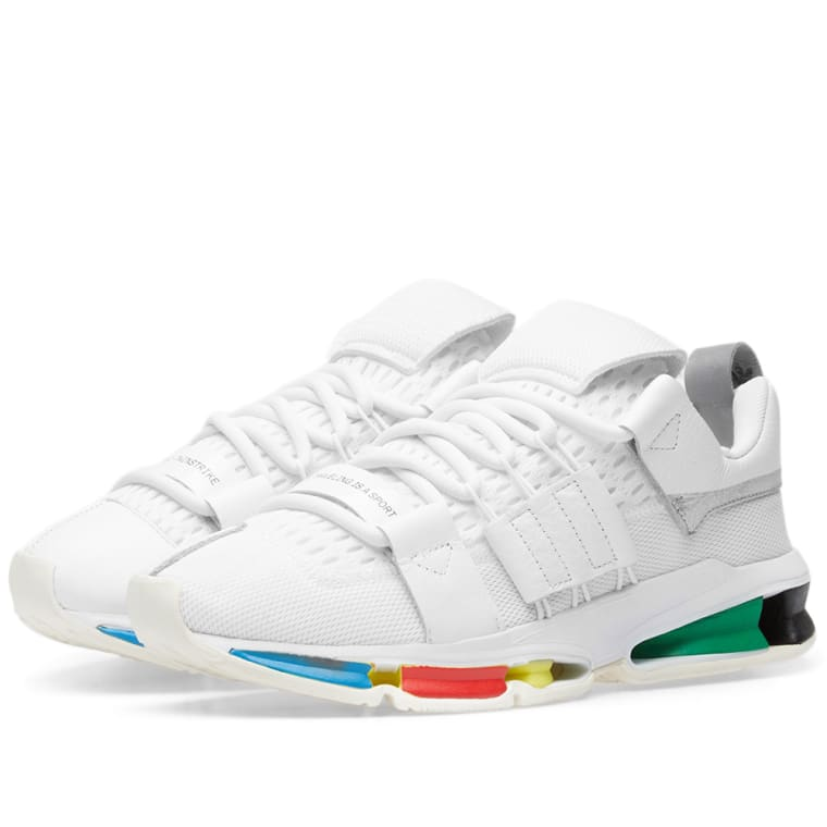 https://media.endclothing.com/media/f_auto,q_auto,w_760,h_760/prodmedia/media/catalog/product/2/5/25-09-2018_adidasconsortiumxoyster_holdingstwinstrike_whiteoffwhite_black_bd7262_ka_1.jpg