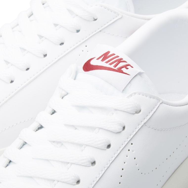 Nike Tennis Classic AC (White   Chianti)  24288d939b5b